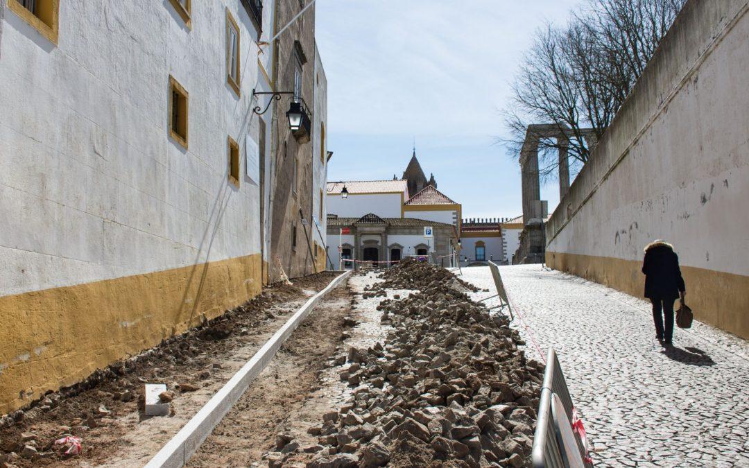 """Projeto """"Évora Turismo para Todos"""" prossegue na melhoria das condições de circulação pedonal"""