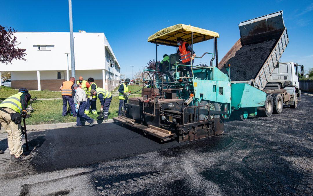 Obras de pavimentação no Cruzeiro do Granito