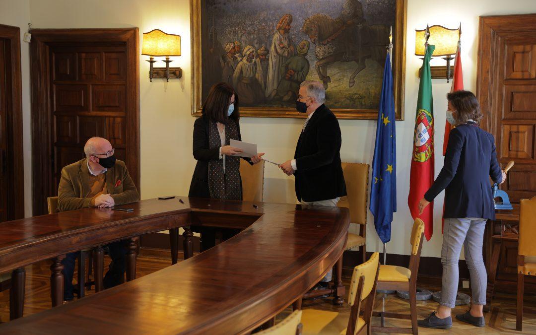 Câmara celebrou protocolo com DRCALEN para avanço da conservação das Muralhas do Castelo de Alcácer