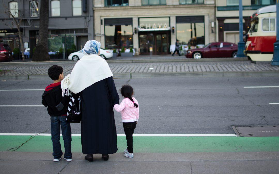 Chegadas de migrantes à Europa diminuíram em 2020 e mortes aumentaram nas travessias