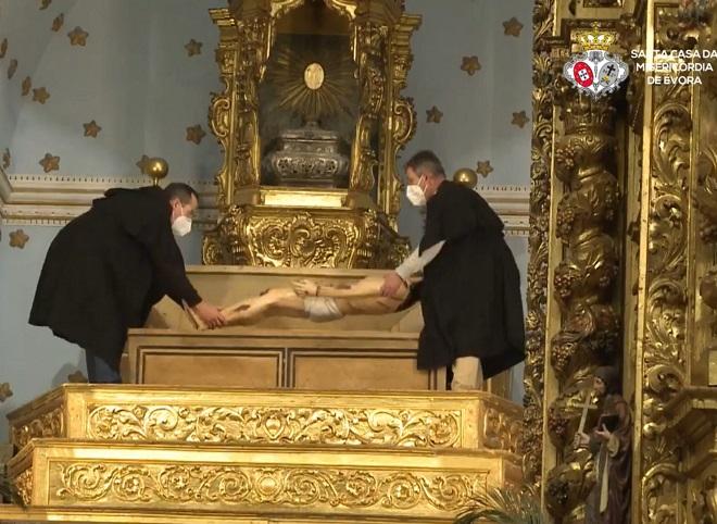 Sexta-feira Santa, às 21h00: Cerimónia da Tumulação do Senhor, na igreja da Misericórdia de Évora