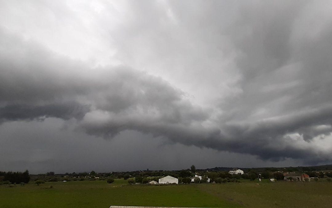 Distrito de Évora sob aviso amarelo: Precipitação entre as 11h e as 22h desta terça-feira, 27 de abril