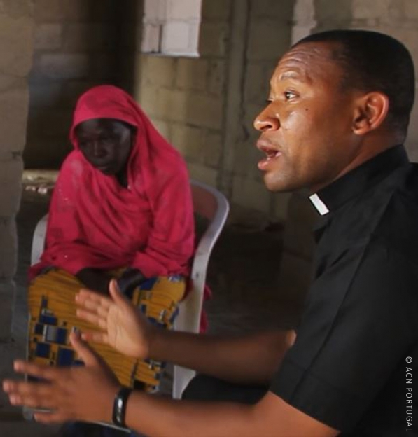 NIGÉRIA: Socorrer as vítimas do Boko Haram, o trabalho sem fim à vista do Padre Fidelis Bature