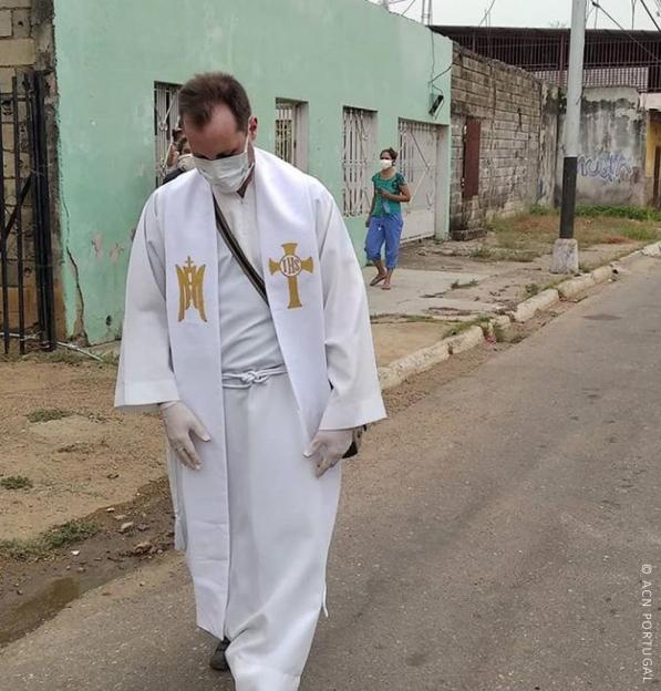 """VENEZUELA: Pandemia do coronavírus """"está fora de controlo"""" e já infectou cerca de 10% dos sacerdotes"""