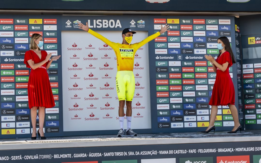 Começou a Volta a Portugal Santander: O Fato Voador de Rafael Reis deu-lhe a Camisola Amarela