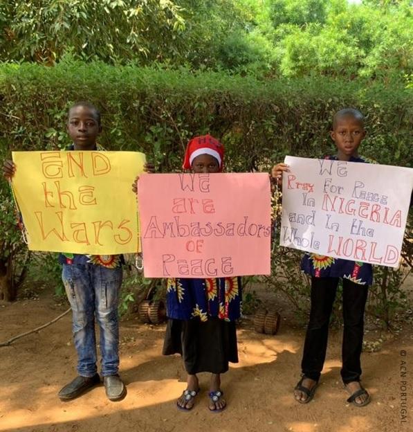 NIGÉRIA: Libertados alguns dos estudantes raptados de uma escola cristã no estado de Kaduna